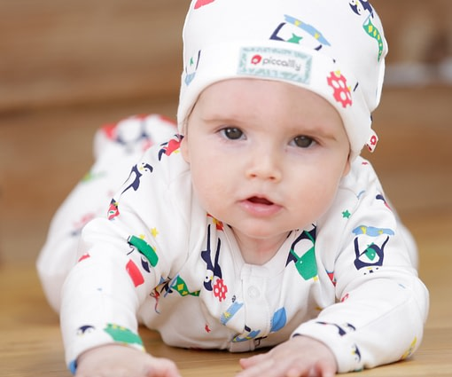 Christmas penguin sleepsuit by Piccalilly in organic cotton 2
