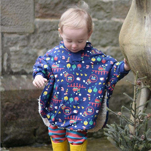 Ribblehead reversible poncho by Piccalilly in organic cotton (Small 6-18 months) 2